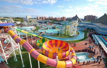 1024px-Munsu_Water_Park_-_Pyongyang,_North_Korea_(11511854045)-1.jpg