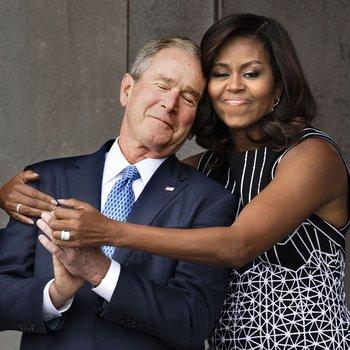 ブッシュとミシェル・オバマ.jpg