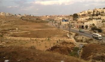 東エルサレム郊外 2.jpg