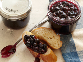 EA1B06_Spiced-Blueberry-Jam_s4x3.jpg